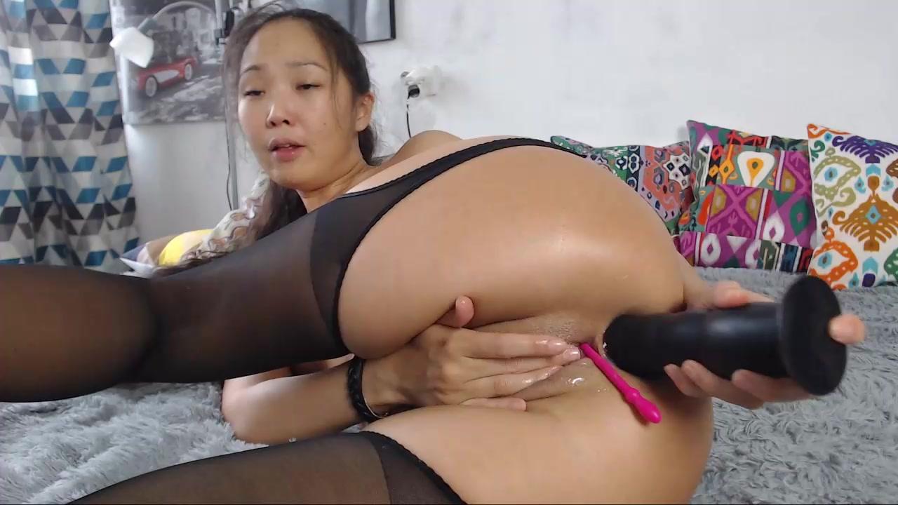 Asian Lesbian Anal Fisting